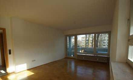 Gepflegte 2-Zimmer-Wohnung mit Balkon und Einbauküche in Laim, München
