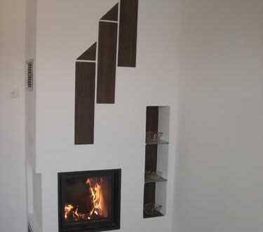 **1A Energieeinsparung** Hochwertige, renovierte 3 Zi- Mansardenwohnung mit Designer- Kachelofen