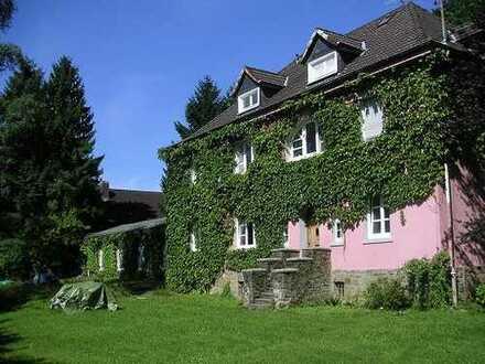 Villa im Bergischen - 3 Wohnungen frei - naturnah & schön