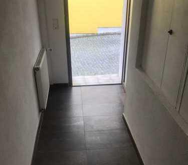 Schönes, geräumiges Haus mit drei Zimmern in Rhein-Pfalz-Kreis, Neuhofen