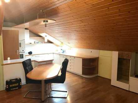 Schöne 3 Zimmer Wohnung im Dachgeschoss in Rottenacker