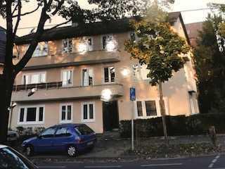 Exklusive, modernisierte 3-Zimmer-Wohnung mit Balkon in Bonn
