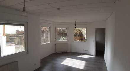 Modernisierte 2-Zimmer-Wohnung mit EBK in 75233, Tiefenbronn
