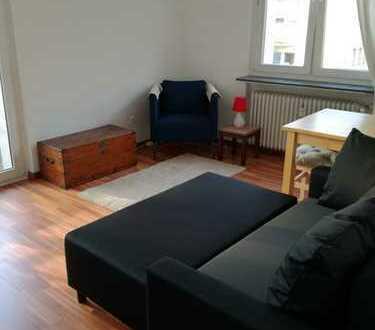zentral gelegene 1-Zimmer-Wohnung mit Balkon und Einbauküche in Frankfurt