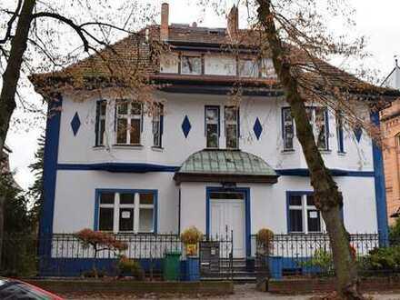 Schöne geräumige Jugendstil-VILLA mit 12 - Zimmern in Dahme-Spreewald (Kreis), Zeuthen