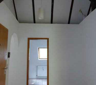 Große Dachgeschoß-Altbauwohnung in Bommern