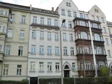 Schicke 3-RW mit zwei Balkonen, große Zimmer, Wannenbad, gute Anbindung