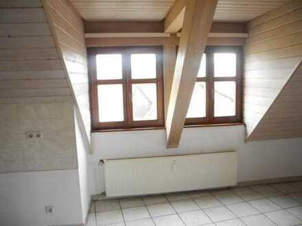 gepflegte 2,5 Zimmer DG-Wohnung mit Tageslichtbad in Kriegsfeld ab sofort