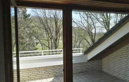Vollständig renovierte 2,5-Zimmer-DG-Wohnung mit Balkon in Herdecke