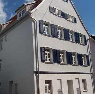 3,5-Zimmer-Wohnung mit Altbau Flair