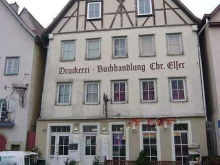 *Historisches Mehrfamilienhaus mit Ausbaureserve in Toplage*