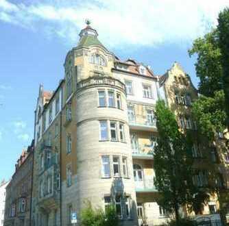 Außergewöhnliche 3-Zimmer-Galerie-Wohnung über den Dächern der Nürnberger Nordstadt