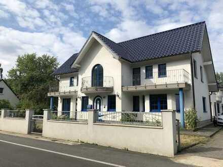 Schöne vier Zimmer Wohnung in Hannover, Lahe ca. 100m² Wohnfläche