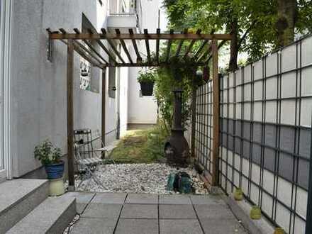 ImmoVerk bietet an:  4-Zimmer Erdgeschosswohnung mit eigenem Garten