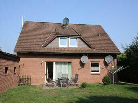 Sehr ruhig gelegenes Zweifamilienhaus mit Doppelgarage in Wesendorf