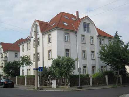 Moderne, geräumige zwei-Zimmer-Dachgeschosswohnung in Dresden, Briesnitz