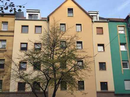 Erstbezug nach Sanierung: ansprechende 3-Zimmer-DG-Wohnung im Herzen Nürnbers Südstadt