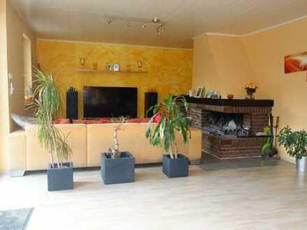 Großes freistehendes 1-2 Familienhaus mit ca. 160 m² Wohnfläche + ca.90 m² Keller