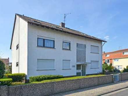 Obertshausen: Großzügige, helle 3 Zimmer-Wohnung mit Balkon in kleiner Wohneinheit und ruhiger Lage