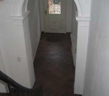 Dachgeschoss Wohnung in Waldrandlage zu vermieten!