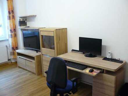 Neu modernisierte, neu & komplett möblierte 2-Zimmer-Wohnung mit Einbauküche, Nähe U Maximilianstr