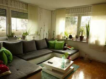 Modernisierte 4-Zimmer-Wohnung mit Balkon und EBK in Mönchweiler