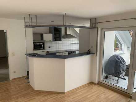 Gepflegte sehr sonnige 6-Raum-Penthouse-Wohnung mit 2 Balkonen und Einbauküche in Baienfurt
