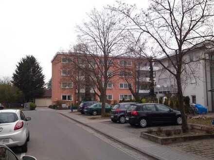 Gut geschnittene 4-Zi.-ETW mit Loggia u. Garage in Griesheim