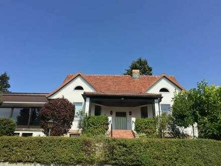 Schönes Einfamilienhaus mit großem Garten in beliebter Wohnlage von Coburg