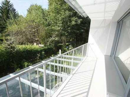 Sehr schöne 3 Zimmer Wohnung in kleiner Wohnanlage mit Balkon in ruhiger Wohngegend in Ottobrunn