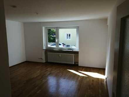 Sanierte 3-Zimmer-Hochparterre-Wohnung mit Balkon in Regensburg