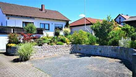 """""""RESERVIERT"""" Einfamilienhaus mit sehr schönen Garten in zentraler Lage von Herzogenaurach"""
