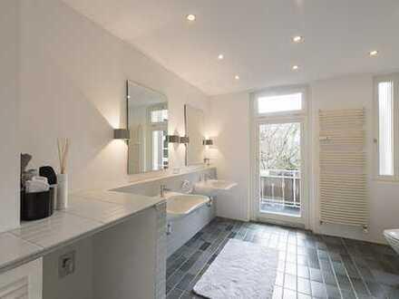 Top renovierte großzügige 5 Zimmer Wohnung in ruhiger Lage mit 2 Balkonen
