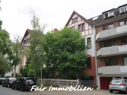* SCHWACHHAUSEN | Renovierte 3-Zi.- Altbau -Whg. mit neuer EBK in ruhiger Seitenstraße