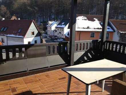 Nette 3 Zimmerwhg. mit tollem Balkon und Wintergarten