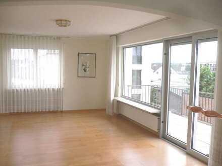 DREIEICH-GÖTZENHAIN - Solide 4-Zimmer Wohnung in Feldrandnähe!