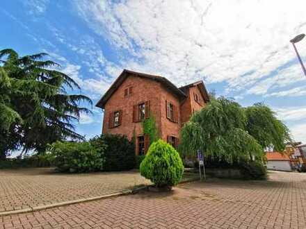 4 Zimmer - Eigentumswohnung mit PKW- Stellplatz in nur 3-Parteienhaus von Herxheim