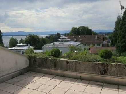 Großzügige 2-Zimmer-Maisonette-Wohnung im Dachgeschoss mit See und Gebirgspanoramablick