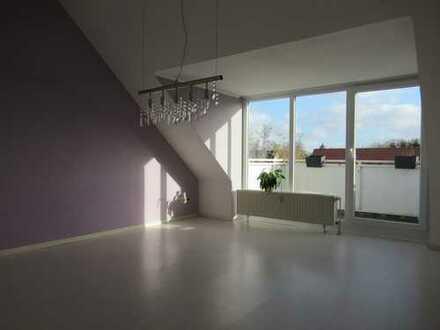 Gepflegte Dachgeschosswohnung in Bümmerstede mit Balkon und PKW-Stellplatz!