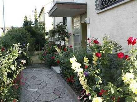 Helle freundliche 4-Zimmer-Wohnung, Erstbezug nach Modernisierung, Einbauküche+Balkon, UNMÖBILIERT