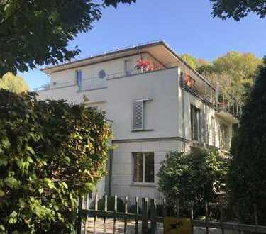 16.000 €, 500 m², 10 Room(s)