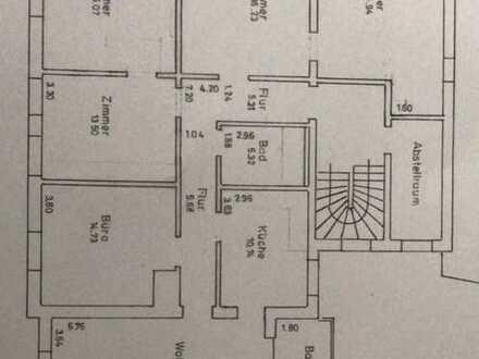 Freundliche, modernisierte 6-Zimmer-Wohnung am Meringer Marktplatz