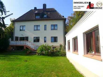 LORENZ-Angebot in BO-Wattenscheid: Bevorzugte Lage. Freist. 2- bis 3-Fam.-Haus + kl. Gartenhaus.