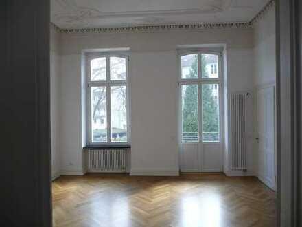 Exklusive, geräumige und sanierte 3-Zimmer-Wohnung mit Balkon in Bonn