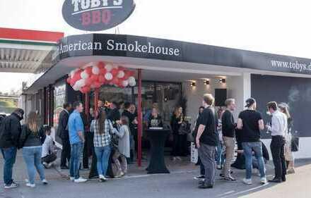 Amerikanisches Spezialitätenrestaurant BBQ/Diner in Top Lage an der A40