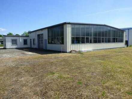 Große Industrie- oder Gewerbegebäude, ehemalige KFZ-Werkstatt auf ca. 4.182 m² Grundstück in Korbach