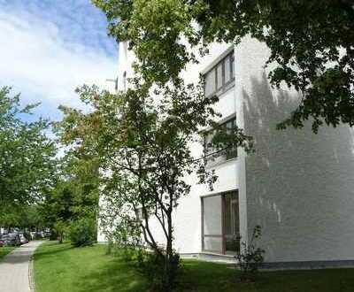 sehr schöne helle 3 Zimmer Whg. mit Essdiele und Süd/Westterrasse