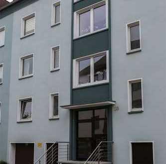 Vollständig renovierte 3-Zimmer-Dachgeschosswohnung mit EBK in Essen