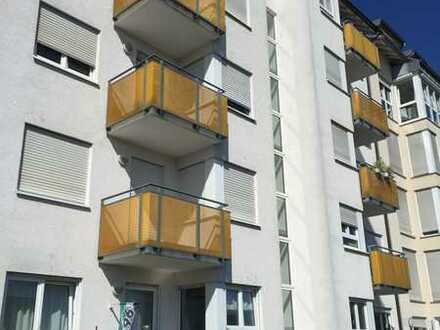 KA-Stadt-/Universität/KIT-Nähe: Schöne 2- Zimmer Wohnung mit Balkon
