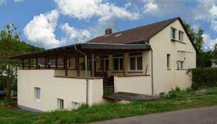 Großzügiges Anwesen (380m² Wfl. /1650m² Grd.) in Maberzell